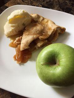 Joanna Gaines' Apple Pie - The Kitchen Gent Pie Crust Recipes, Apple Pie Recipes, Pastry Recipes, Delicious Desserts, Dessert Recipes, Yummy Food, Yummy Recipes, My Favorite Food, Favorite Recipes