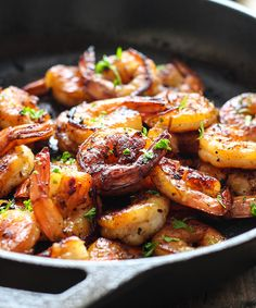 Honey Garlic Shrimp Skillet Recipe Main Dishes with shrimp, garlic, ginger, honey, soy sauce Fish Recipes, Seafood Recipes, Dinner Recipes, Cooking Recipes, Healthy Recipes, Dinner Ideas, Sunday Recipes, Recipies, Shrimp Dishes