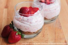 Strawberry Cheesecake Mousse Recipe - so delicious with fresh strawberries Cheesecake Mousse Recipe, Strawberry Cheesecake, Strawberry Recipes, Strawberry Mousse, Mousse Dessert, Raspberry Lemonade, Dessert Cups, Mousse Cake, Just Desserts