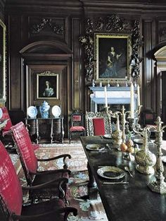 Dining room Belton House Lincolnshire, England See the Grinling Gibbons Carving around the frame