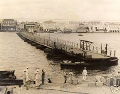 Swinging Bridge, Willemstad, Curacao  Photographer: James Sawders  Year: 1920 -1930 ?