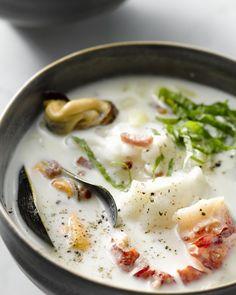 Deze chowder van zeeduivel en kreeft is een vullende maaltijdsoep boordevol lekkere smaken. Verras je gasten met deze lekkernij tijdens de feestdagen. #15gram