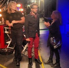 Will Champlin getting touch ups before stage time.