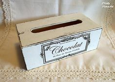 HomeArt / Shabby servítkovník Chocolat Shabby, Home Art, Decorative Boxes, Container, Handmade, Food, Home Decor, Chocolates, Hand Made