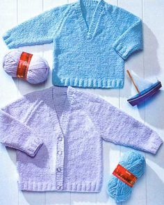 Knitting pattern Peter Pan P971 babies childrens V neck sweater and cardigan £2.60