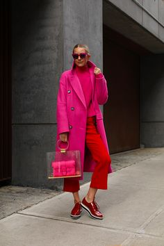 Weekend wear // Blair Eadie puts a more casual spin on a few of the items from her Atlantic-Pacific x Halogen collection // See more at Atlantic-Pacific Casual Fall Outfits, Casual Look, Colourful Outfits, Colorful Fashion, Trent Coat, Mantel Outfit, Pull Rose, Looks Style, My Style