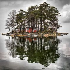 Little Cottage Island, Finland by Mikko Paartola.  Looks like the perfect place!