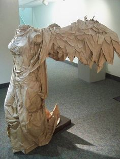 Winged Victory Sculpture entirely made out of Paper and Glue! Winged Victory Sculpture, Origami Paper Art, Paper Crafts, Book Sculpture, Paper Sculptures, Paper Magic, Cardboard Art, Paper Book, Paper Clay