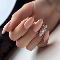 Designs with Nude Nail Polish – Pretty Nails Aycrlic Nails, Nude Nails, Nail Manicure, Diy Nails, Nail Polish, Glitter Nails, Beige Nails, Matte Nails, Gel Nail