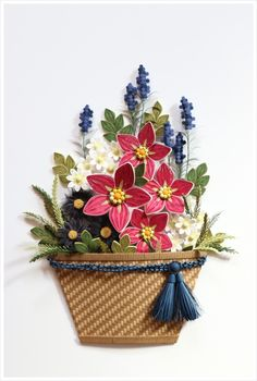 Floral Piece - by: unknown artist Paper Quilling Cards, Arte Quilling, Paper Quilling Flowers, Quilled Paper Art, Paper Quilling Designs, Quilling Craft, Quilling Patterns, Decorated Flower Pots, Diy And Crafts