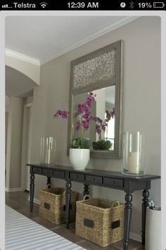 Simple console table decors