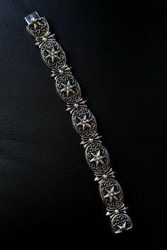 CHROME HEARTS|クロムハーツ オーバルスターのブレスレットは手首に添うシルエットがきれいな逸品。ブレスレット28万8750円
