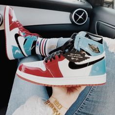 Dr Shoes, Nike Air Shoes, Hype Shoes, Nike Socks, Cool Nike Shoes, Zapatillas Nike Basketball, Zapatillas Nike Jordan, Jordan Shoes Girls, Girls Shoes