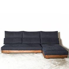 リベリア ソファ [ オーク ] LIBERIA sofa(20517) - ヒラシマのソファ | おしゃれな家具通販・インテリアショップ リグナ Pallet Furniture, Home Furniture, Sofa, Couch, Storage, Interior, Robot, Room Ideas, Home Decor