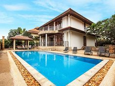 Ban Talay Khaw B10 - 4 Beds Thong Son Beach Set 19 km from Ko Phangan and 6 km from Chaweng Beach, Ban Talay Khaw B10 - 4 Beds offers pet-friendly accommodation in Thong Son Beach. The property features views of the pool and is 47 km from Khanom.