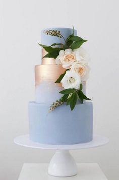 gold and dusty blue wedding cake from Sweet Bakes wedding cake sunflowers Wedding Cake Trends – 20 Metallic Wedding Cakes Metallic Wedding Cakes, Floral Wedding Cakes, Elegant Wedding Cakes, Wedding Cake Designs, Rustic Wedding, Wedding Blue, Trendy Wedding, Elegant Cakes, Floral Cake