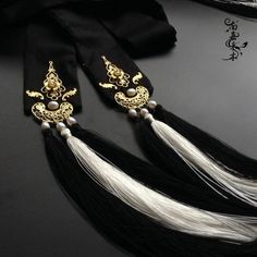 Designs For Dresses, Hair Designs, Moon Necklace, Tassel Necklace, Chinese Hairpin, Jewelry Accessories, Fashion Accessories, Hanfu, Hair Piece