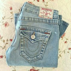 FREE top w/ purchase! Any top under $10 Gently used. Light wash. No rips or stains. Flare. True Religion Jeans Flare & Wide Leg