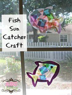 Fish Sun Catcher Craft -  ABC Creative Learning http://www.abccreativelearning.com