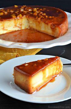 Flan de naranja Sweet Desserts, Sweet Recipes, Mexican Food Recipes, Dessert Recipes, Mexican Desserts, Caramel Flan, Flan Recipe, Donuts, Cupcake Cakes