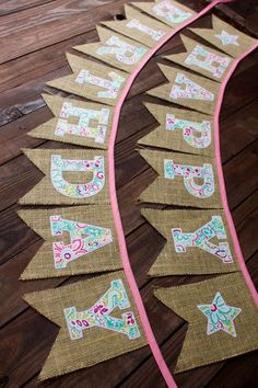 50 Burlap Party Decorations Ideas - Karoll A.N - - 50 Burlap Party Decorations Ideas - Karoll A. Cowgirl Birthday, Cowgirl Party, Happy Birthday Banners, Birthday Decorations, Burlap Decorations, Burlap Banners, Burlap Party, Diy Y Manualidades, Teal And Pink