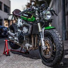 caferacergram | Honda Hornet sent in by @xtrpepo #cb600f #cb600fhornet #hondahornet #xtrpepo…