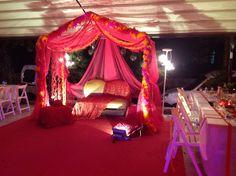 Cansın'ın kına gecesi..... Bachelorette Party Decorations, Wedding Decorations, Turkish Wedding, Henna Night, Dream Wedding, Wedding Day, Henna Party, Pakistani Couture, Event Design