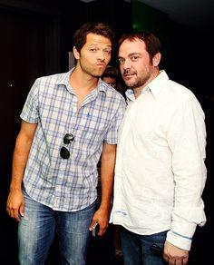 Misha and Mark Sheppard candid #ComicCon2013