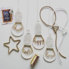 création originale hello-love-dream-smile-happy-laugh-live-home-hope Wire Crafts, Diy And Crafts, Arts And Crafts, Paper Crafts, Decor Crafts, Amigurumi Giraffe, Spool Knitting, Creation Deco, Ideias Diy