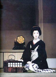 """Bando Tamasaburo V, 坂東玉三郎 - Taken from the shinpa """"Nihonbashi"""" by Izumi Kyoka."""