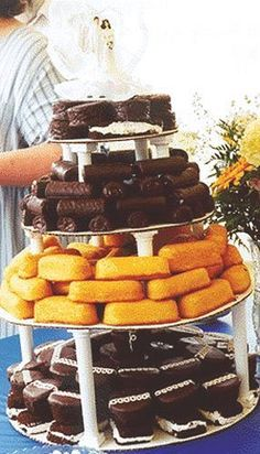 Redneck Wedding Cake (hehe could be down for a similar idea, save some $$)