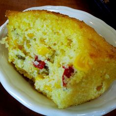 JALAPENO CORNBREAD Luby's Cafeteria Copycat Recipe Serves 12 cup whole milk cup buttermilk 1 extra large egg 2 tablespoo. Cornbread Cake, Mexican Cornbread, Cornbread Recipes, Jalapeno Cornbread Muffins, Bacon Recipes, Retro Recipes, Mexican Food Recipes, Piccadilly Recipe, Muffin Recipes