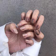 Chrome nails that I like - ChicLadies.uk in 2020 Long Nail Art, Long Acrylic Nails, Long Nails, Cute Nails, Pretty Nails, My Nails, Minimalist Nails, Garra, Thanksgiving Nails