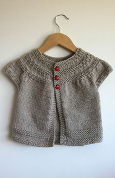 I love this gorgeous knit cardi!