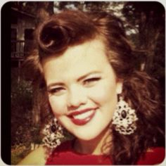 Pin up. Victory roll. 40's classic.