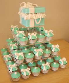 Tiffany style cupcakes and Box with pearls