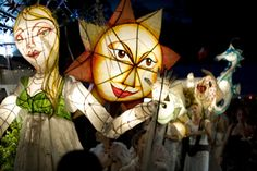 I love the lantern parade, so much creativity Glastonbury Music Festival, Christmas Tree Accessories, Puppet Making, Folk Festival, Festivals Around The World, Paper Lanterns, Wire Art, Winter Garden, Community Art