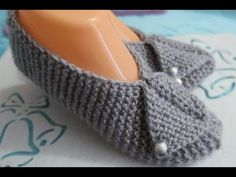 Crochet Stocking - Hand Embroidery: Hack to Make Tassels Crochet Simple, Easy Crochet Hat, Crochet Shoes, Knit Crochet, Crochet Stocking, Knitting Patterns Free, Free Knitting, Baby Knitting, Crochet Patterns