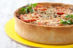 Recette de Tarte boeuf haché, oignon et tomate gratinée au fromage