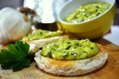 Crostini verdi - aglio, prezzemolo e maionese