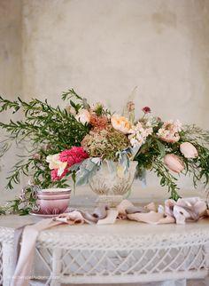 Photography: Koby & Elizabeth Brown, KobyBrown.com | Swan House in Atlanta, GA | Historic Venue Wedding | Vintage Lace Wedding Gown: Gossamer | Model: Nicole Gatlin | Organic Floral Bouquet: Gertie Maes