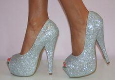Fabulous peep toe pumps! #pumps #heels #IPAProm