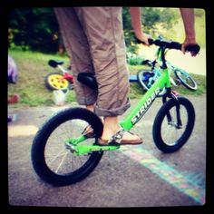 Delikatnie starszy AktywnySmyk na rowerku biegowym Super Strider Striders, Bicycle, Vehicles, Bicycle Kick, Bike, Trial Bike, Bicycles, Vehicle, Tools