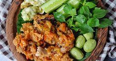 """Resep Ayam Geprek Sambel bawang favorit. Menu sederhana yang bikin bahagia banget nih, ayam geprek lengkap dengan """"permata hijau"""" yang bikin nafsu makan menggila"""