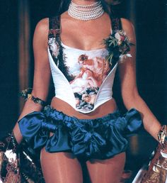 runway shows of the 90s...would make a bomb halloween costume