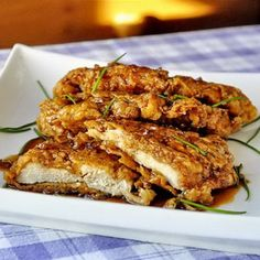 Cooking Club of America's 'Editors Pick of the Week' is our Double Crunch Honey Garlic Chicken Breasts! With over 94,000 pins to Pinterest and over 1 MILLION hits on our website, there is a very good reason this recipe is so incredibly popular!
