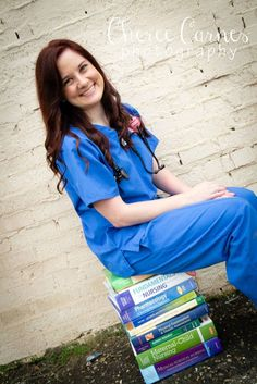 I'm not really sure about nursing school grad photos (I'm old after all) but this is cute. Nursing Graduation Pictures, Nursing Pictures, Nursing School Graduation, Nursing School Tips, Nursing Career, Grad Pics, Graduate School, Nursing Schools, Graduation Ideas