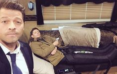 Misha and Jensen in JAs trailer. Jensen recovering from marathon training and Misha being sympathetic Jensen Ackles, Jensen And Misha, Zeppelin, Young Misha Collins, Tyrone Wells, Supernatural Jokes, Sore Legs, Time Of Our Lives, Great Love Stories