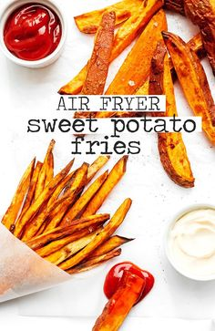 This air fryer sweet potato fries recipe is quick cooking and becomes perfectly crispy, making for a healthier alternative to French fries! A great side dish that your family is going to love. The BEST Air Fryer Swe Air Fryer Sweet Potato Fries, Frozen Sweet Potato Fries, Sweet Potato Wedges, Sweet Potato Recipes, Homemade Sweet Potato Fries, Making Sweet Potato Fries, Air Fryer French Fries, Chicken Recipes, Air Fryer Recipes Low Carb