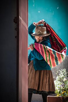 """""""If you don't make the time to work on creating the life you want, eventually you're forced to spend a lot of time dealing with a life you… Peru Culture, Mexico Culture, Peru Beaches, Chola Style, Peruvian Art, Peruvian Textiles, Mini Canvas Art, Chicano Art, Peru Travel"""